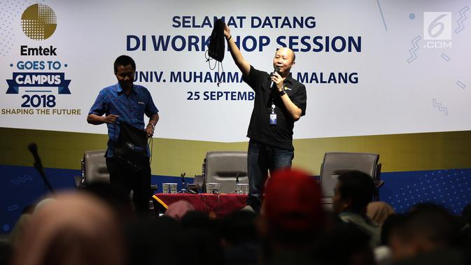 Vice Presiden HR Emtek Pieter Andrian menjadi pembicara Emtek Goes To Campus (EGTC) di Universitas Muhammadiyah Malang, Selasa (25/9). EGTC juga menghadirkan kompetisi news presenter, inspiring sharing, dan entertainment talk. (Googleberita.com/JohanTallo)